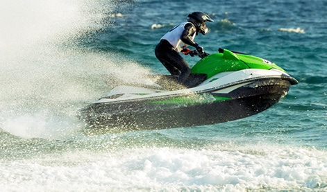 jet-ski-at-high-speed