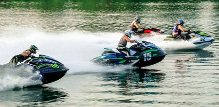 jet-skiiers-wearing-helmets