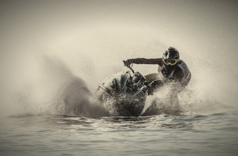 8 Tips for Jumping a Jet Ski